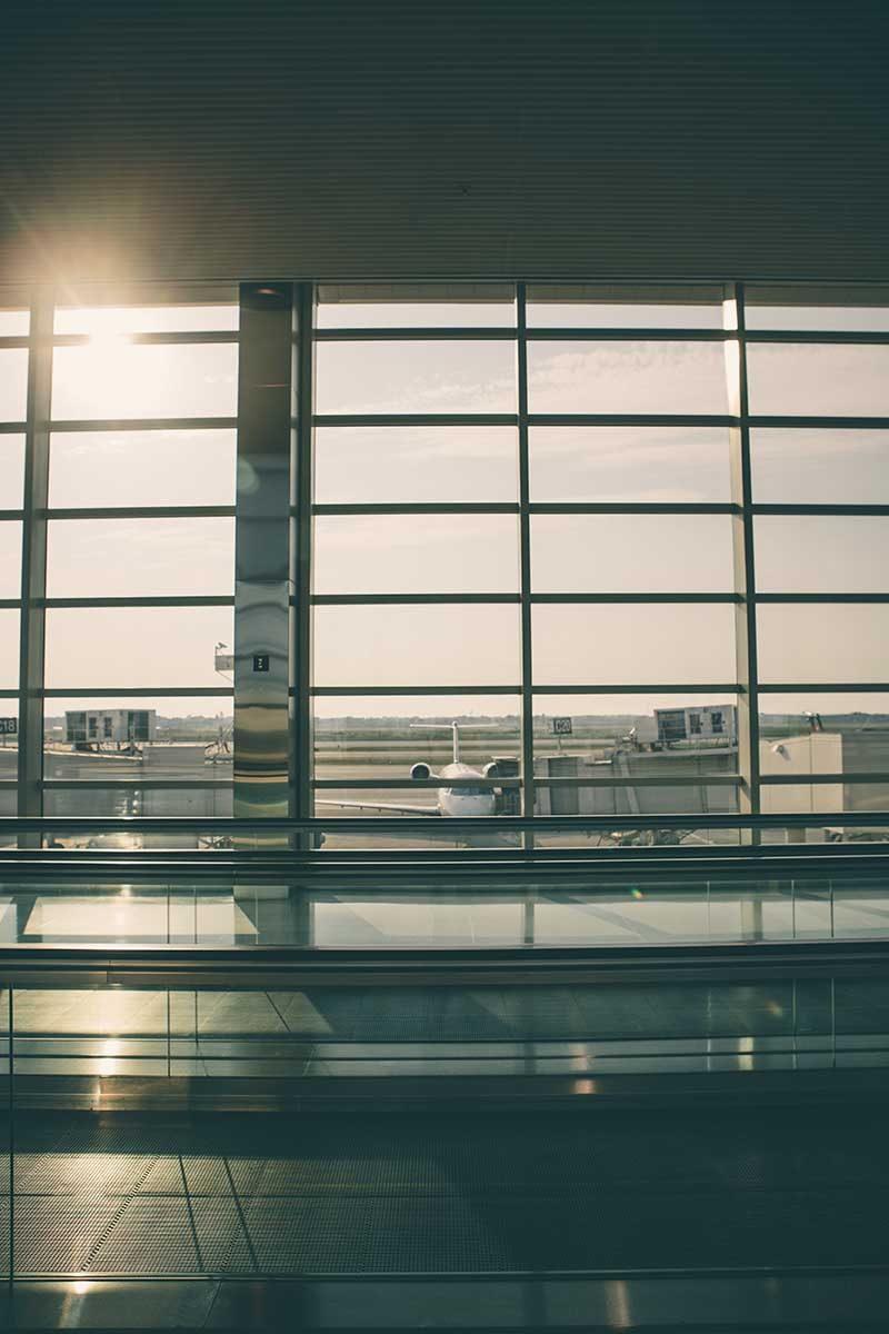 Parking przy lotnisku – gwarancja niskiej ceny i bezpieczeństwa.