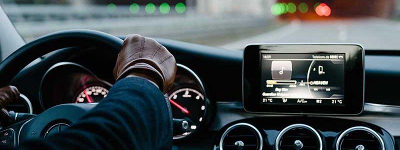 Systemy multimedialne w samochodach to prawdziwe cuda technologiczne